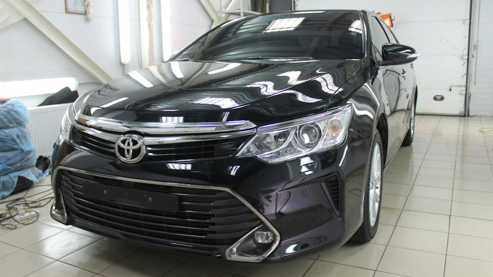 Toyota Camry черная<br><h5>от 800 руб/час</h5>