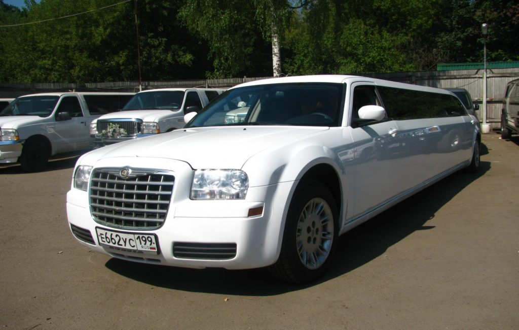 Chrysler C300 лимузин